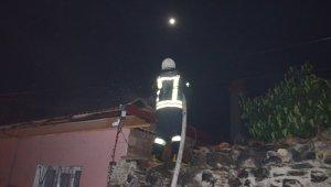 Kula'da ahşap evde çıkan yangın korkuttu