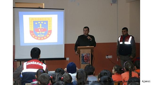 Demirci Jandarma'dan öğrencilere özel eğitim