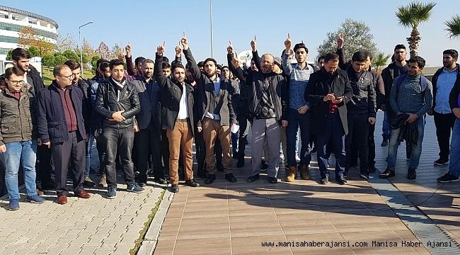 Üniversite gençliği ABD yi protesto etti
