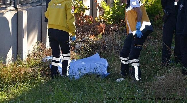 Trenin çarptığı genç kız hayatını kaybetti