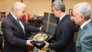 Turgutlu Belediyesi Vali Güvençer'i Uğurladı