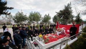 Afrin şehidi mezarı başında anıldı
