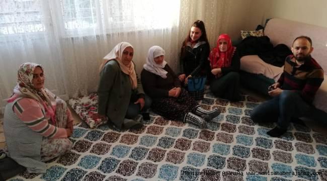AK Parti Yunusemre ilçe teşkilatından ev ziyaretleri
