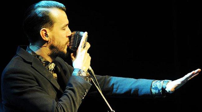 Bursa'da Cem Adrian konseri