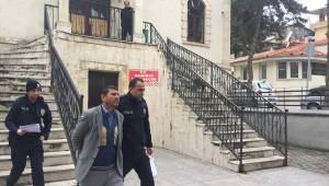 Demirci'de hırsızlık zanlısı tutuklandı
