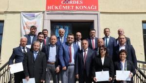 Gördes Belediye Başkanı Akyol, mazbatasını aldı