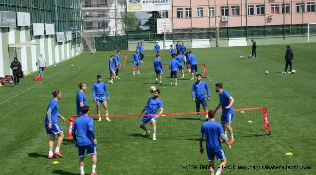 Manisa Büyükşehir Belediyespor Ayak Tenisi Oynadı
