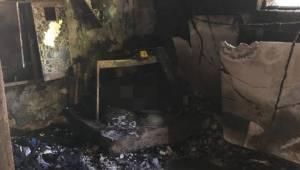 Manisa'da eski akaryakıt istasyonunda yangın