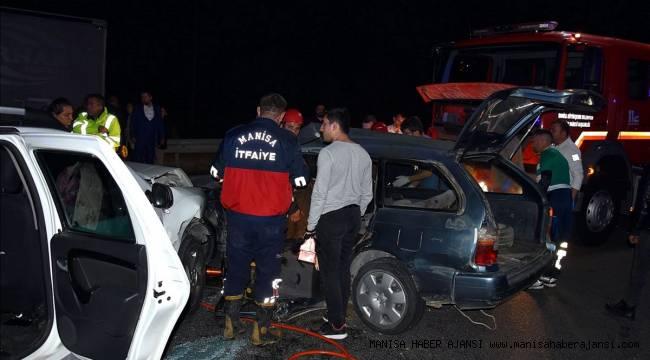 Manisa'da iki otomobil çarpıştı: 1 ölü, 6 yaralı
