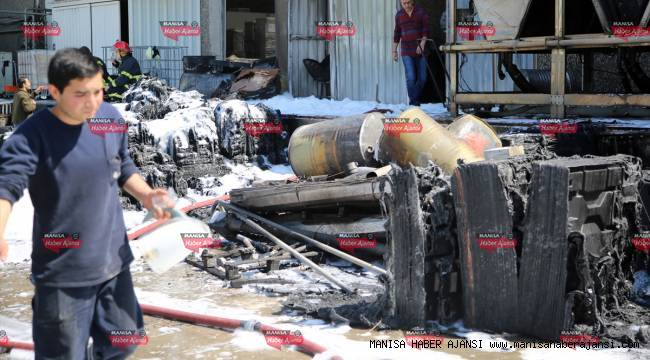 Manisa'da plastik fabrikasında yangın