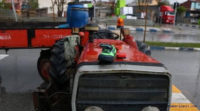 Manisa'da traktör yaya geçidinde çocuklara çarptı: 1 ölü, 2 yaralı