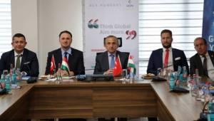 Manisalı iş adamlarına Macaristan'daki yatırım fırsatları anlatıldı