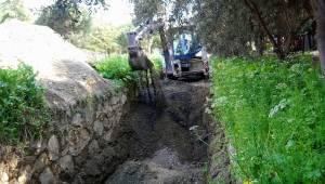 Şehitler Mahallesi'nin Deresi Temizlendi