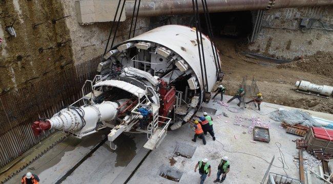 Dev tünel açma makinesi yeraltına indi