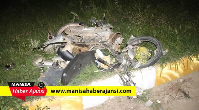 Kamyonet ile motosiklet çarpıştı: 2 ağır yaralı