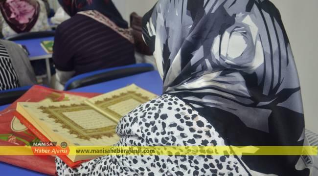 Yunusemre İle Kur'an-I Kerim Öğreniyorlar