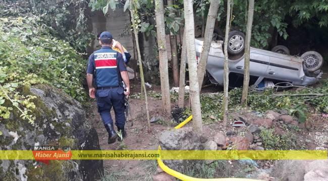 Manisa'da otomobil dereye düştü: 5 yaralı