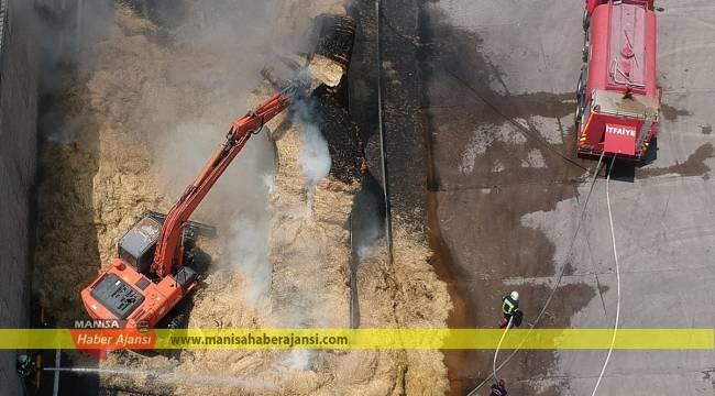 Manisa'da saman yüklü tır yandı