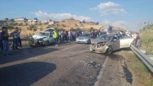 Manisa'da trafik kazası: 8 yaralı