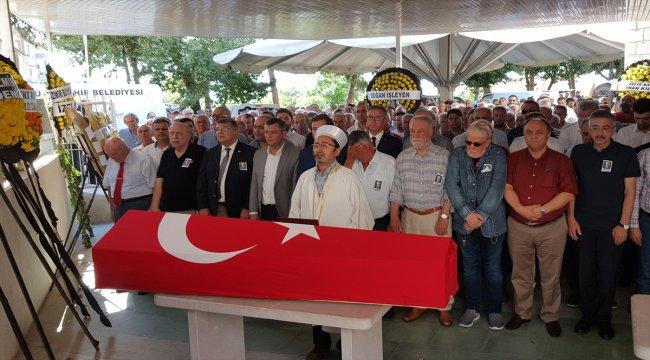 Eski CHP Genel Sekreteri Şeref Bakşık, İzmir'de toprağa verildi