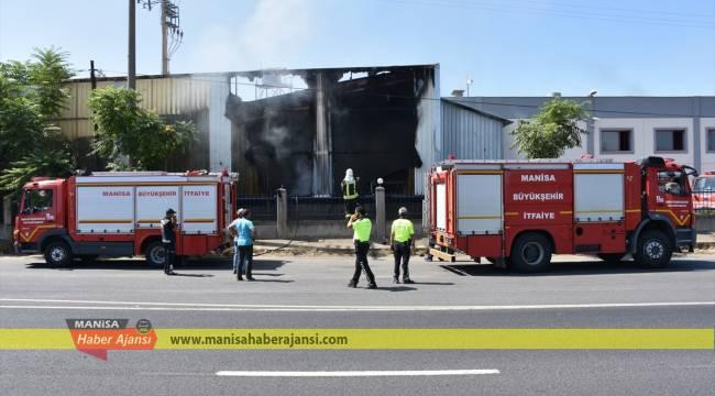 Manisa'da fabrikada yangın