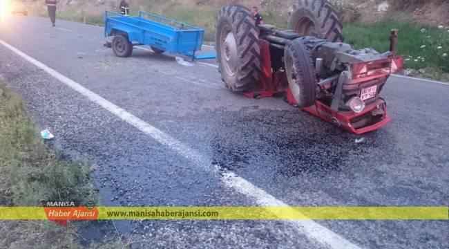 Manisa'da otomobil ile traktör çarpıştı: 5 yaralı