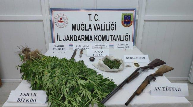 Muğla'da uyuşturucu ve tarihi eser operasyonu: 2 gözaltı