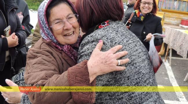 Karaburun Belediyesi'nden yaşlılara market hizmeti