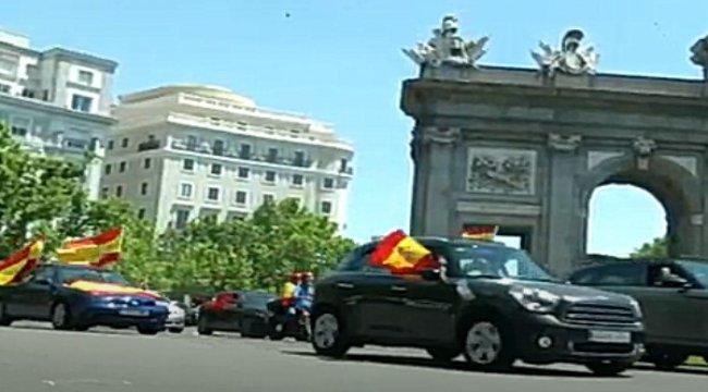 İspanya'da Motorize Protesto, Caddeler Kilitlendi