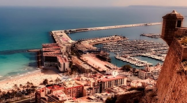 İspanya Temmuz'da Dış Turizme Açılıyor