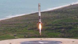 SpaceX'in astronotlu roket yolculuğu cumartesi gününe ertelendi