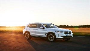 BMW'nin tamamen elektrikli ilk ''X'' modeli yeni BMW iX3 yollara çıkmaya hazır