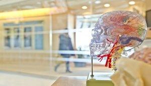 Covid-19 nörolojik hasarlar da bırakıyor