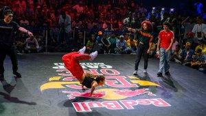 Dünyanın en iyi breaking dansçıları Redbull.com'da