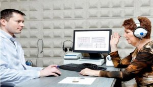 Нарушенията на загубата на слуха могат да отключат болестта на Алцхаймер.