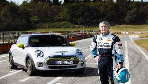 İbrahim Okyay, MINI ELECTRIC'i pistte test etti