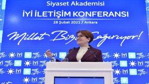 """Akşener """"28 Şubat Süreci"""" konulu bir konuşma yaptı"""