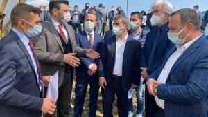 AK Partili Akkal üzüm bağlarını inceledi