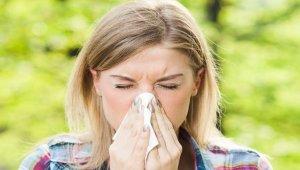 Bahar alerjisi burun tıkanıklığına neden olabiliyor