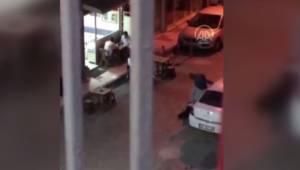 Manisa'da bir kadın sokak ortasında dövüldü, iki kişi olayı izledi