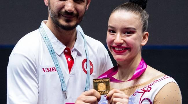 Dünya şampiyonu Ayşe Begüm Onbaşı'dan başarının sırrı Asla pes etme