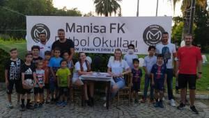 Manisa FK İzmir Futbol Okulumuz açıldı