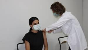 Manisa nüfusunun yarısı ilk aşıyı oldu