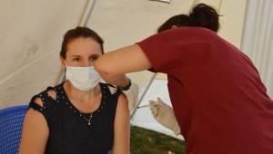 Manisa'da bir günde 38 bin 191 aşıyla rekor kırıldı