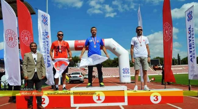 Akhisarlı atletler İsmail Akçay yol koşusundan başarıyla döndü
