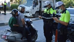 Trafik polisinden kask denetimi