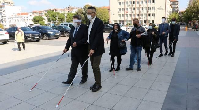 Görme Engelliler İçin Yürüdüler