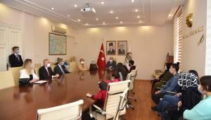 Tablet Dağıtım Töreni Vali Karadeniz'in Katılımıyla Gerçekleştirildi